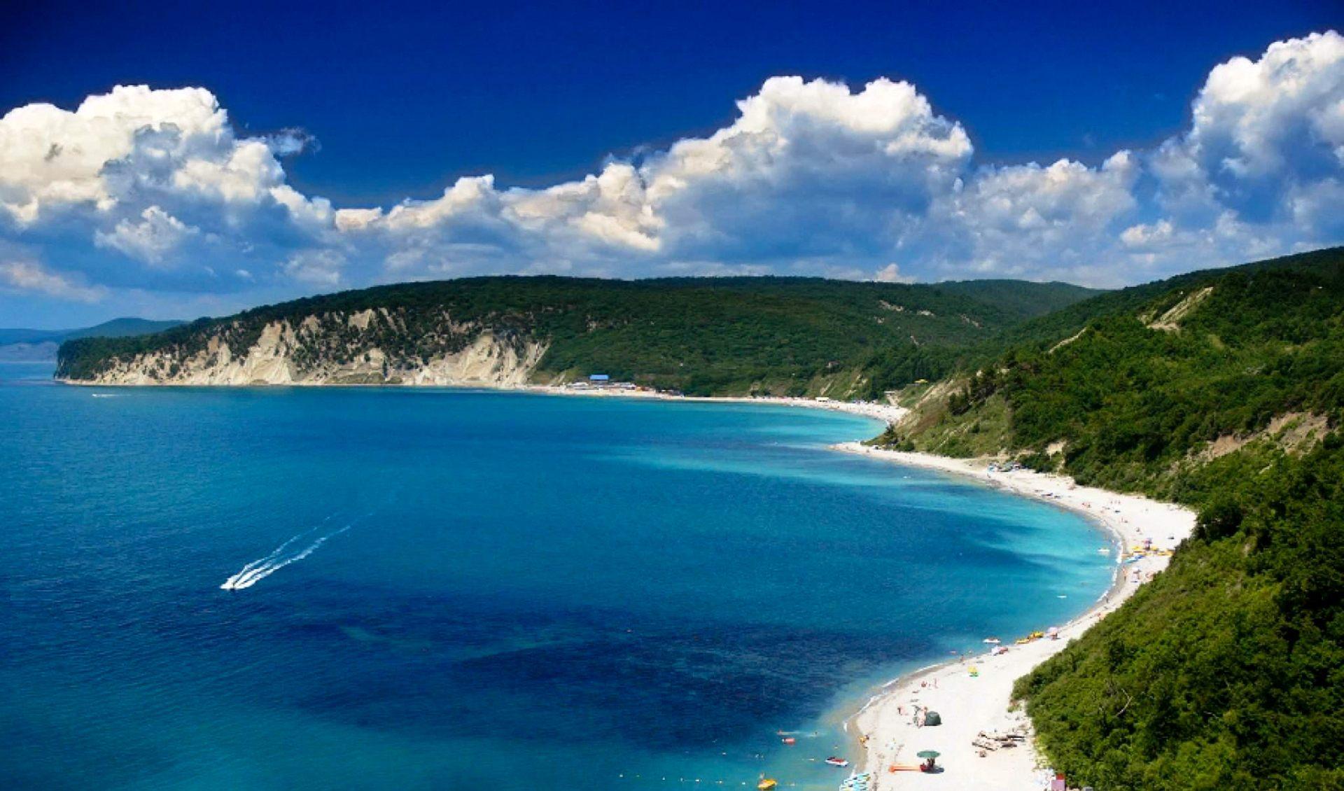 Чёрное море стало снова прозрачным через неделю после шторма
