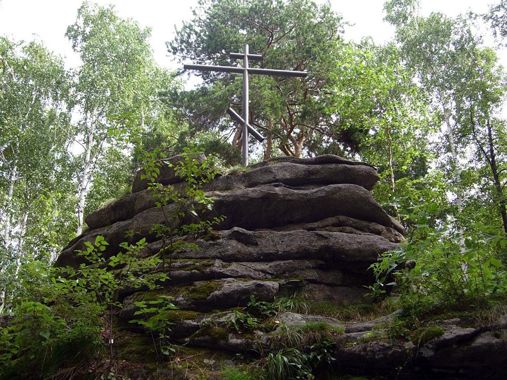 Крест на острове Веры