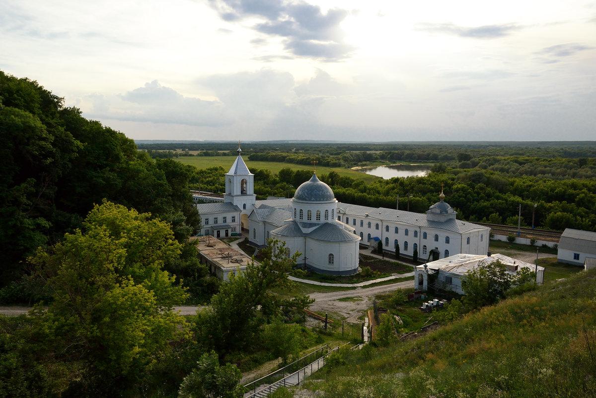 Свято-Успенский Дивногорский мужской монастырь