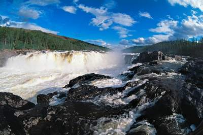 Большой Курейский водопад